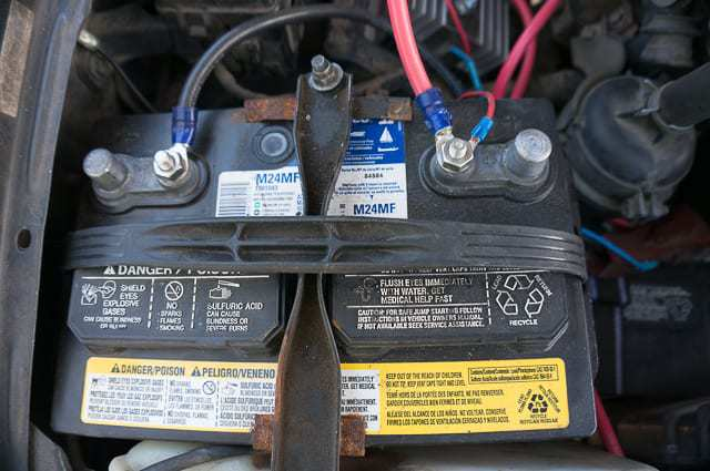 truck camping dual battery setup-3