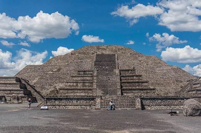 teotihuacan pyramids-2