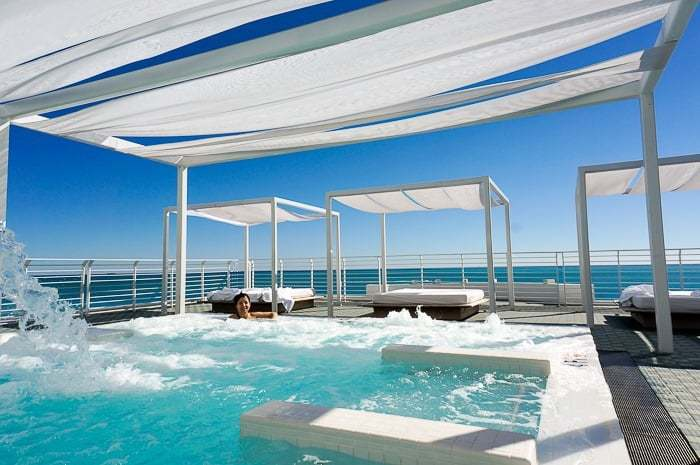 The incredible hydrotherapy rooftop pool at the Metropolitan by COMO Miami Beach