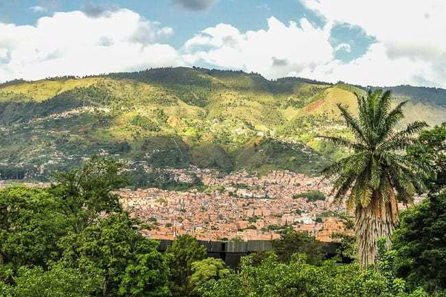 learn spanish in medellin-6