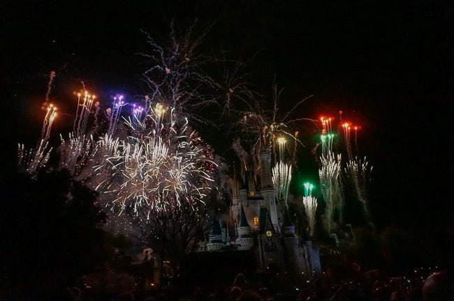 Nightly fireworks show - Places to Visit in Orlando Florida