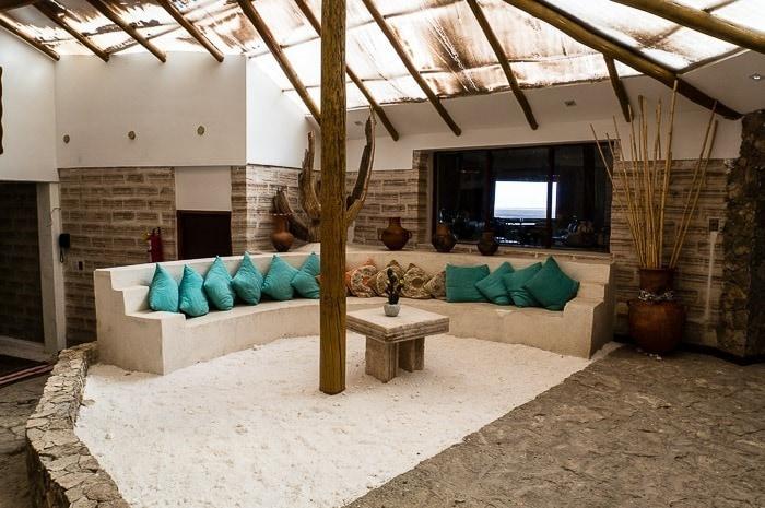 Salón de descanso - hotel de sal Luna Salada