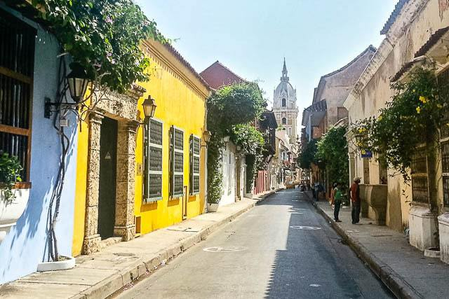 Old colorful streets of Cartagena - Guide to Traveling to Colombia