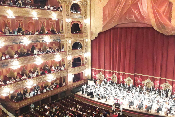 Free show at Teatro Colon - The Top 18 Things to Do in Buenos Aires