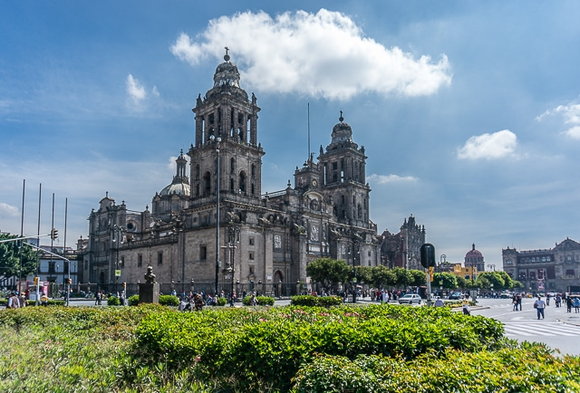 Wondering where to stay in Mexico City? You should consider the centro historico as well