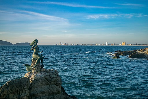 best Mazatlan tours mermaid featured image