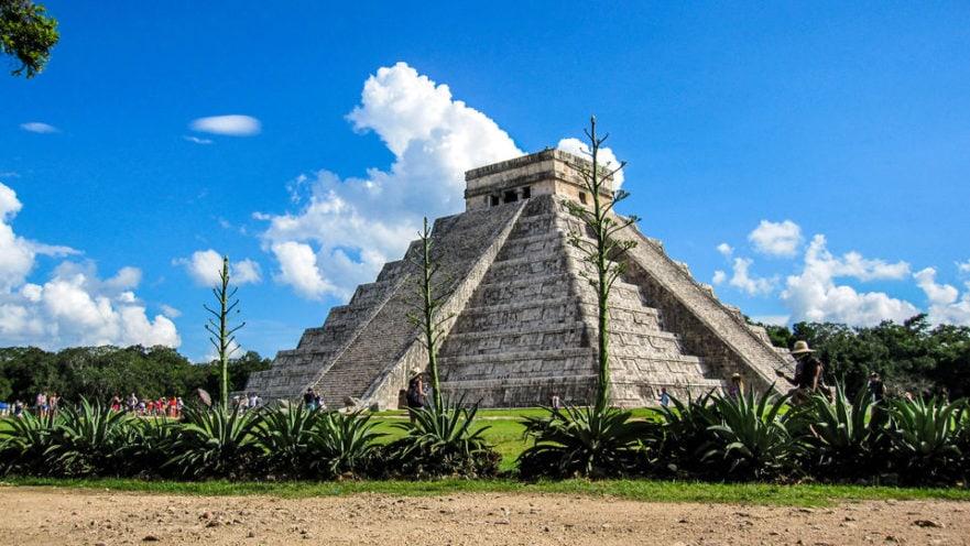 Chichen Itza Mayan Ruins Mexico Ik Kil Coba