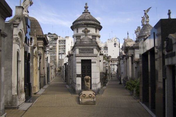 recoleta cemetery buenos aires recoleta cemetery tours