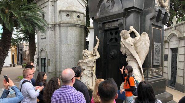 recoleta cemetery buenos aires tours